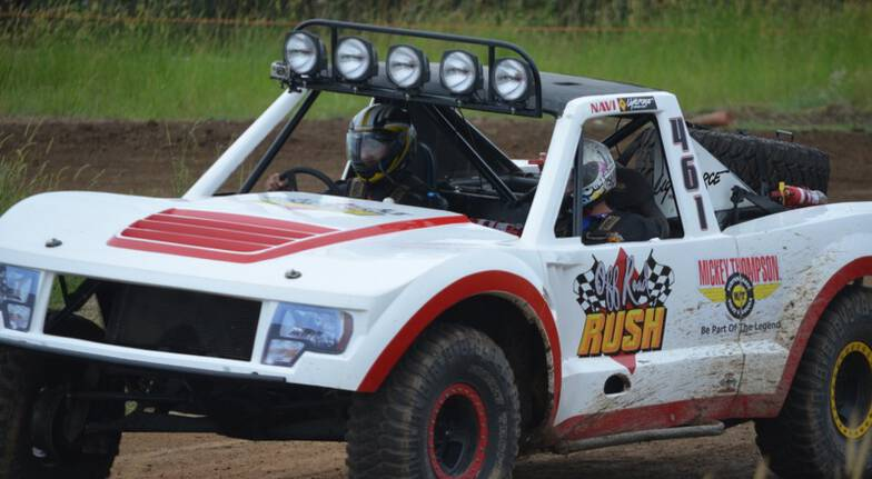 V8 Buggy and Trophy Truck Driving - 16 Laps plus 2 Hot Laps