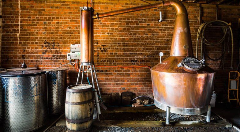 Whisky Distillery Tour with Guided Tasting, Lunch and Wine