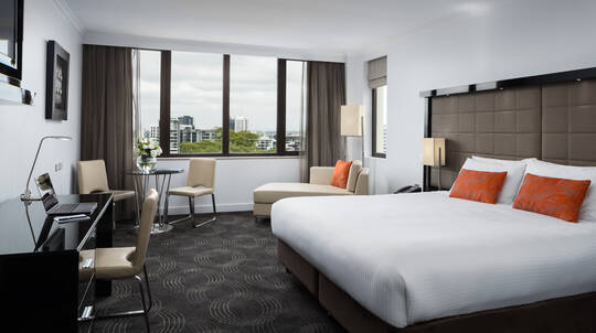 Brisbane Overnight City Escape with Breakfast