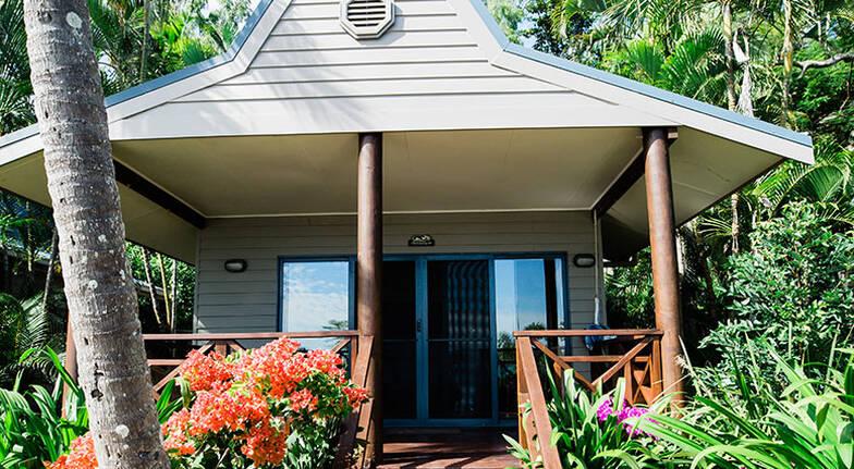 5 Night Long Island Beachfront Villa Stay  For 2