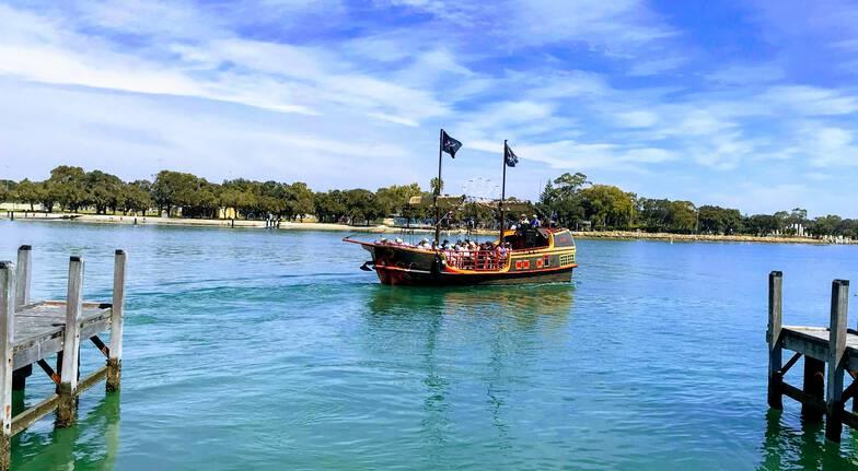 Mandurah Canal Pirate Cruise - 45 Minutes