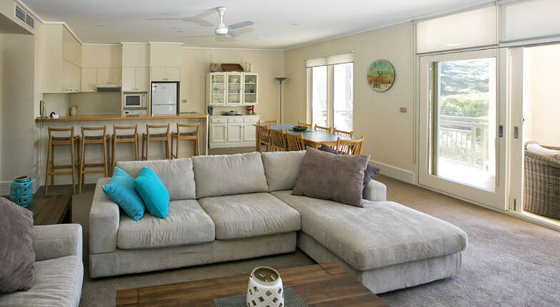 Overnight Portsea Getaway with Dinner and Breakfast Hamper