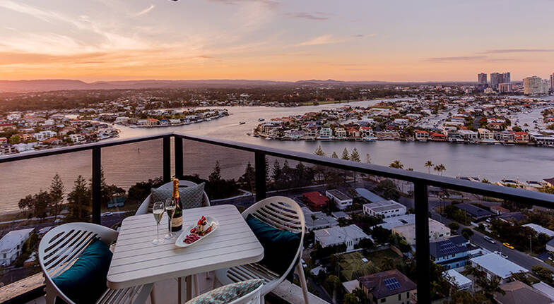 2 Night Gold Coast Getaway with Breakfast and Bubbles- For 2