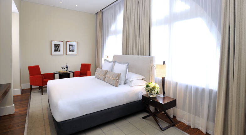 Boutique Melbourne Getaway with Dining - Deluxe Room - For 2