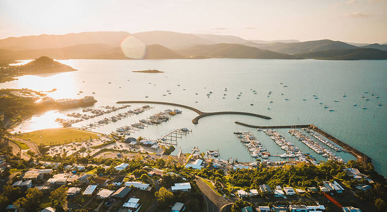 Whitsundays Full Day Sail with Lunch, Snorkelling and More