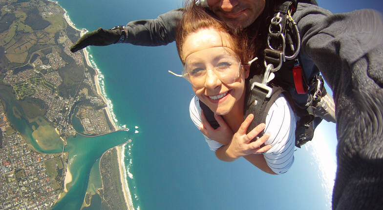 Skydive over Byron Bay - 15,000ft - Midweek