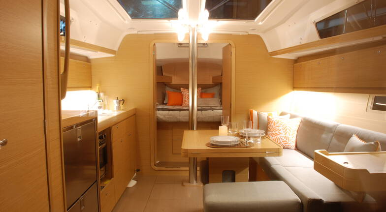 Private Luxury Yacht, Dinner, Bed And Breakfast - For 2