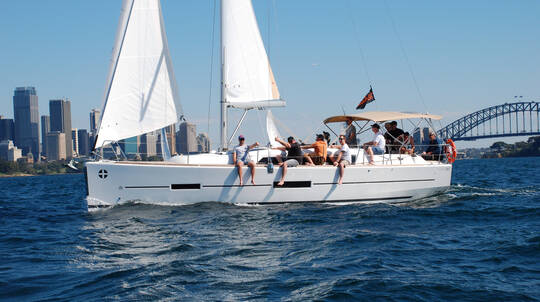 Sailing Hands-on Experience in Sydney Harbour - For 2