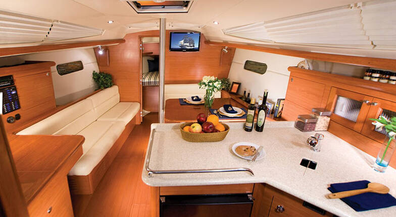 Vivid Cruise and Overnight Luxury Yacht Stay with Dinner