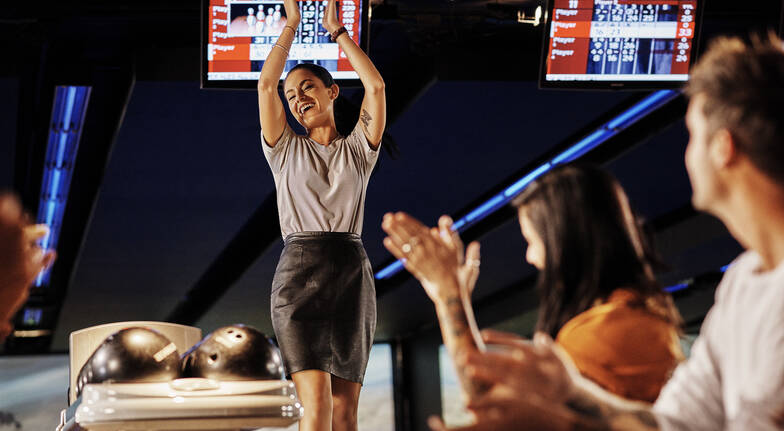 Bowling with Pizza and Cocktails - For 2 - Glen Waverley