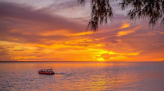 Darwin Harbour Sunset and Gin Cruise - 60 Minutes