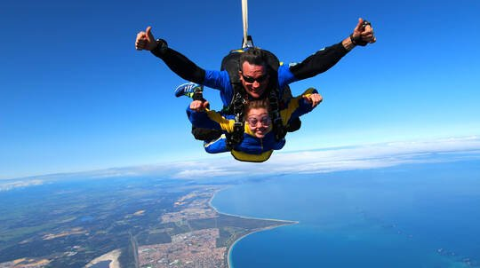 Tandem Skydive Over Rockingham - Up To 15,000ft - Weekend