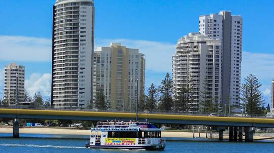 Gold Coast Scenic River and Canal Midday Cruise - 90 Mins