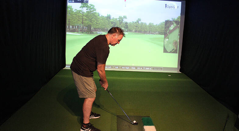 Indoor Virtual Golf with Pizza and Soft Drink