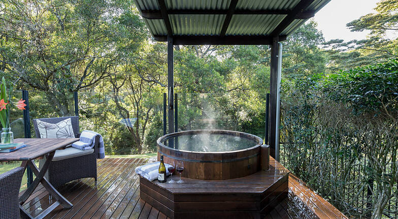 1 Night Hinterland Hideaway with Breakfast  For 2