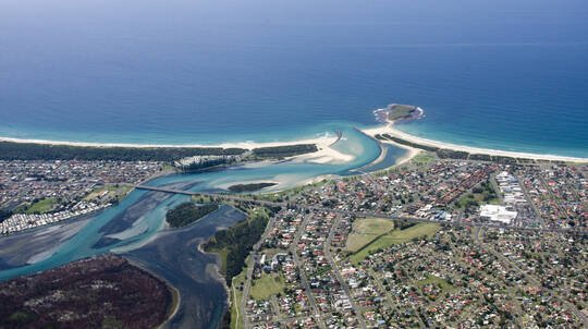 Scenic Helicopter Flight over Wollongong- 15 Minutes - For 2