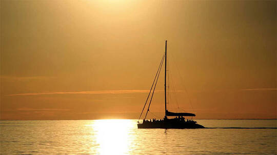 Glenelg Twilight Catamaran Cruise with Beverage - 1.5 Hours