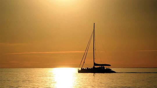 Glenelg Twilight Catamaran Cruise with Beverage - 1.5 Hours