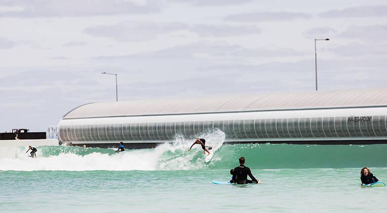 Intermediate Surf Session at URBNSURF - Weekday