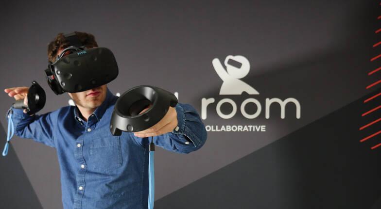 Virtual Room Sydney game inside virtual reality head sets