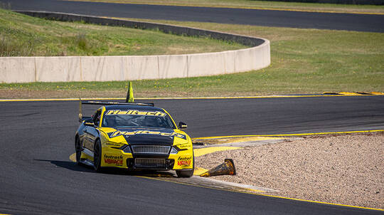 V8 Drive and Front Seat Hot Laps - 8 Laps - Perth