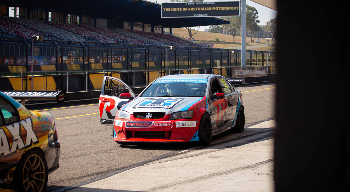 V8 Race Car Driving 6 Laps - Sydney - NSW