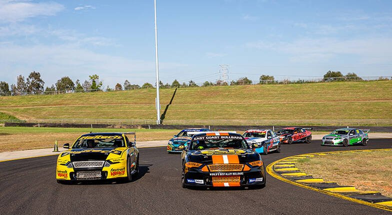 V8 Race Car Driving 6 Laps - Sydney