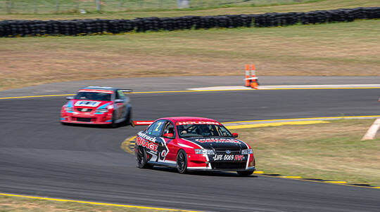V8 Drive and Front Seat Hot Laps - 8 Laps - Sydney
