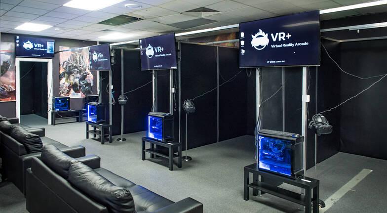 Virtual Reality Gaming - 50 Minutes