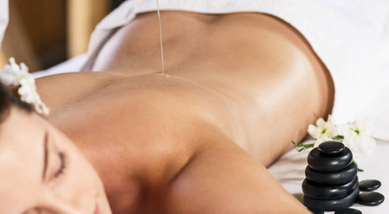 Aromatherapy Massage and Multivitamin Power Facial