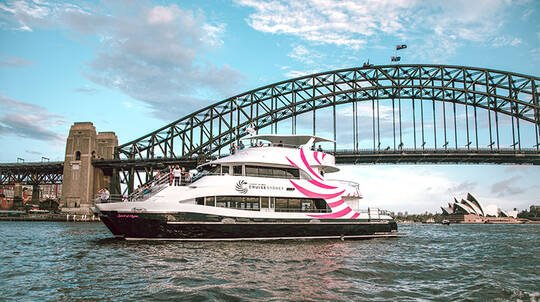 Sydney Harbour Lunch Cruise with Drinks - 2.5 hours