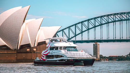 Sydney Harbour Dinner Cruise with Drinks - 3 Hours