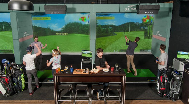 Indoor Golf Simulator Session with Pizza and Drink - For 2