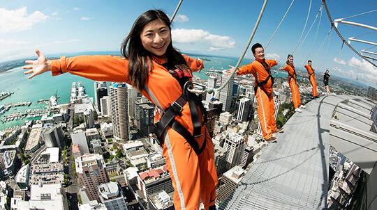 Auckland Sky Tower SkyWalk