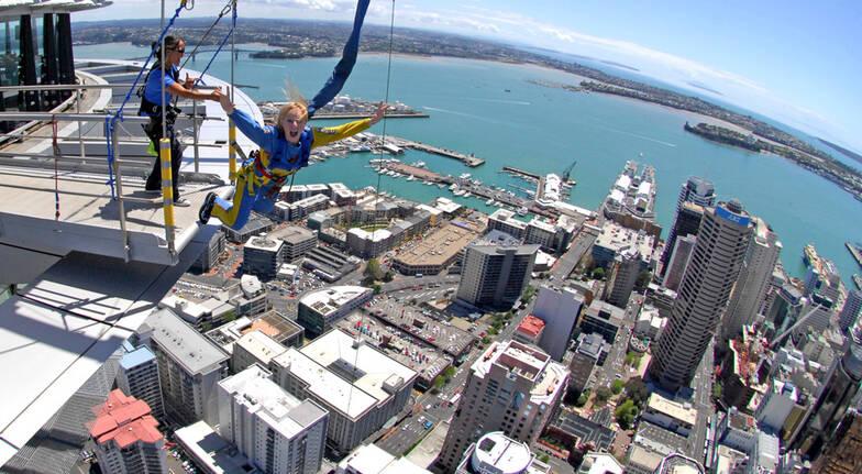 Auckland Sky Tower SkyJump