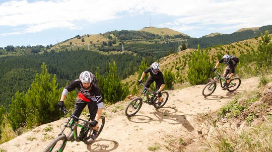 Half Day Down Hill Mountain Biking Lesson with Bike Hire