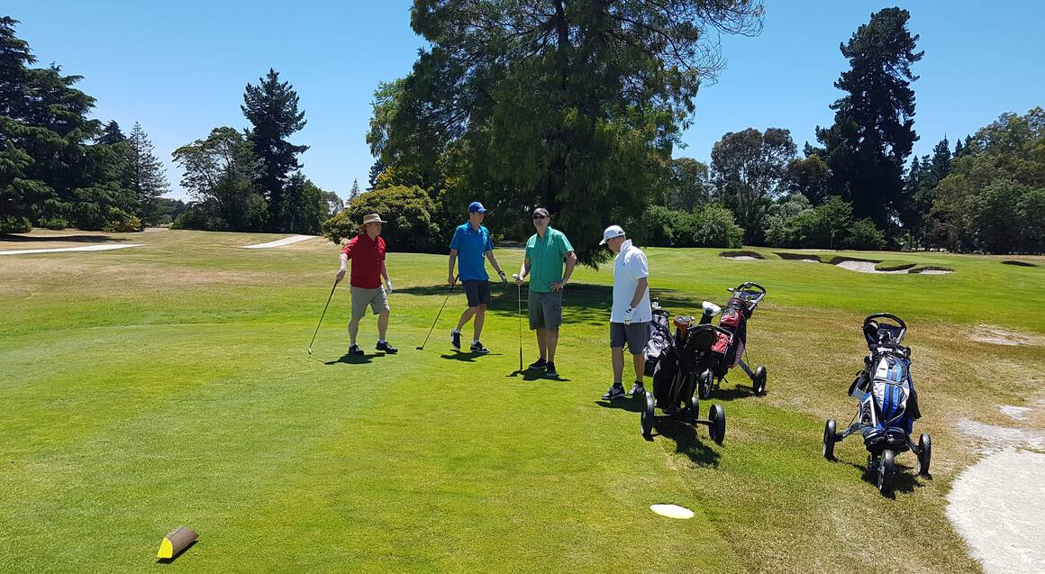 Wainui Golfing Tour with Lunch