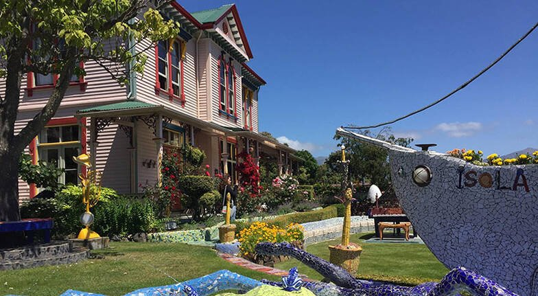 Full Day Akaroa Tour with Farm Visit and Lunch- Christchurch