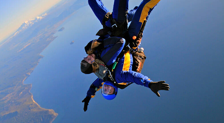 Tandem Skydive over Taupo - 18,500ft