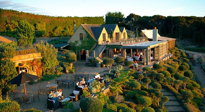 Helicopter Flight to Mudbrick Vineyard with Meal  For 2