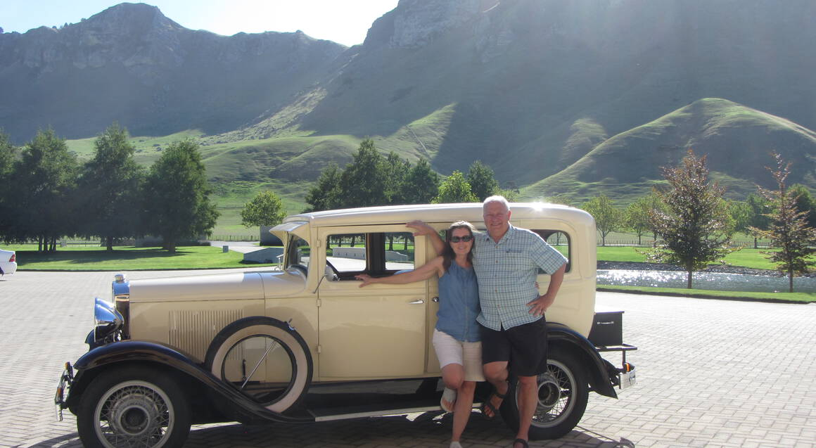 Private Vintage Car Scenic and Winery Tasting Tour - 3 Hours