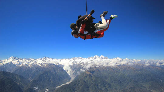 Tandem Skydive over Franz Josef and Fox Glacier - 16,500ft