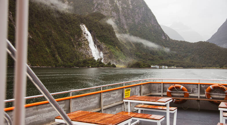 Milford Sound Coach and Cruise from Te Anau