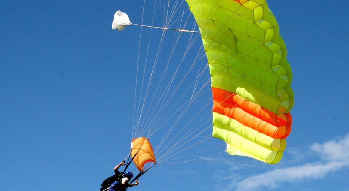 Tandem Skydive in Auckland - 9,000ft