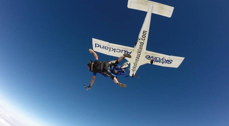 Tandem Skydive in Auckland  13000ft