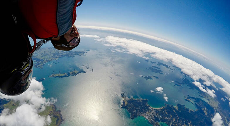 Tandem Skydive over Bay of Islands - 20,000ft