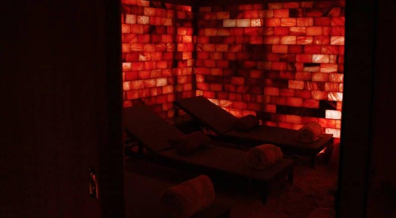 Salt Cave Halotherapy Treatment - 45 Mins