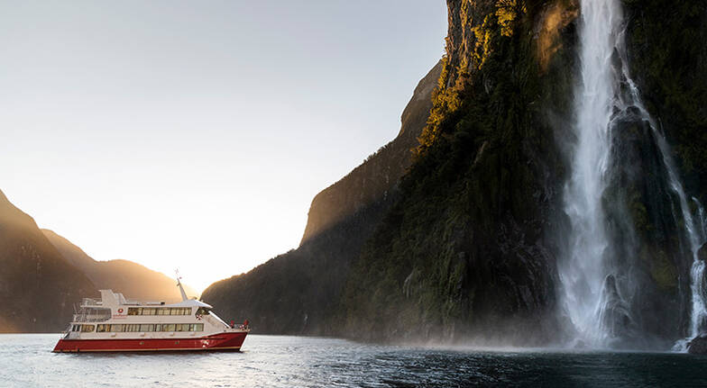 Milford Sound Cruise with Lunch and Underwater Observatory