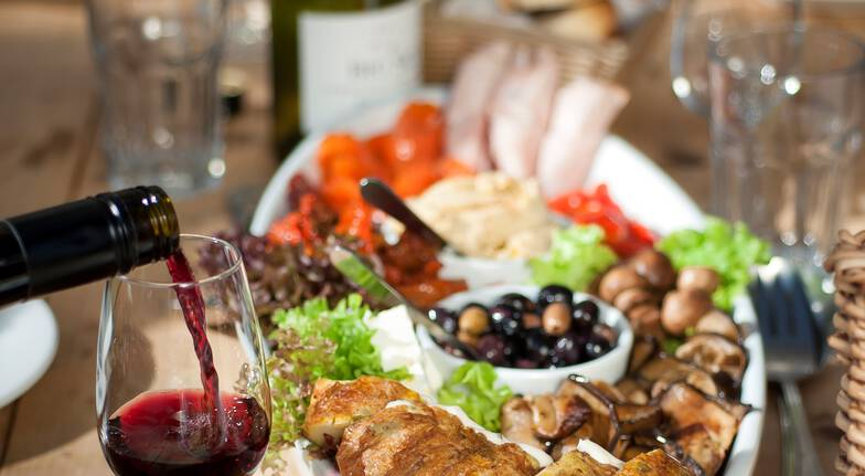 Martinborough Food and Wine Tour with Lunch