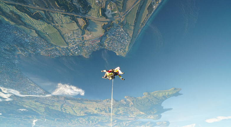 Tandem Skydive Above Lake Taupo - 15,000ft